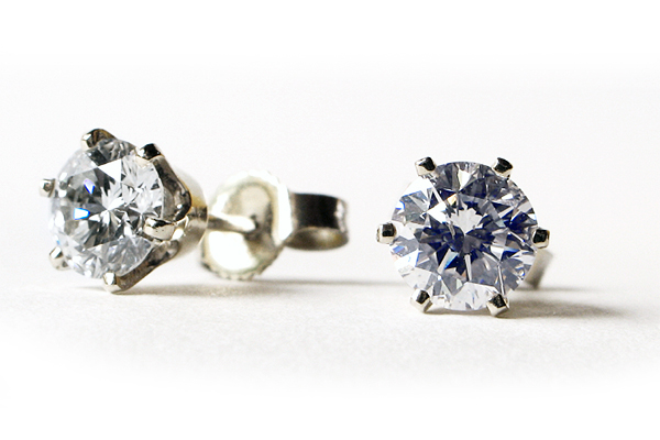 earring-diamond stud